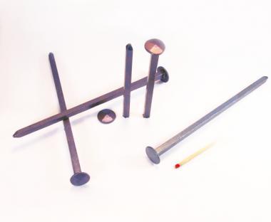 Diamond shaped head blued steel forged nail (100 nails) L : 200 mm - Ø 15 mm