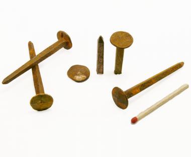 Diamond shaped rust-like forged nail (100 nails)