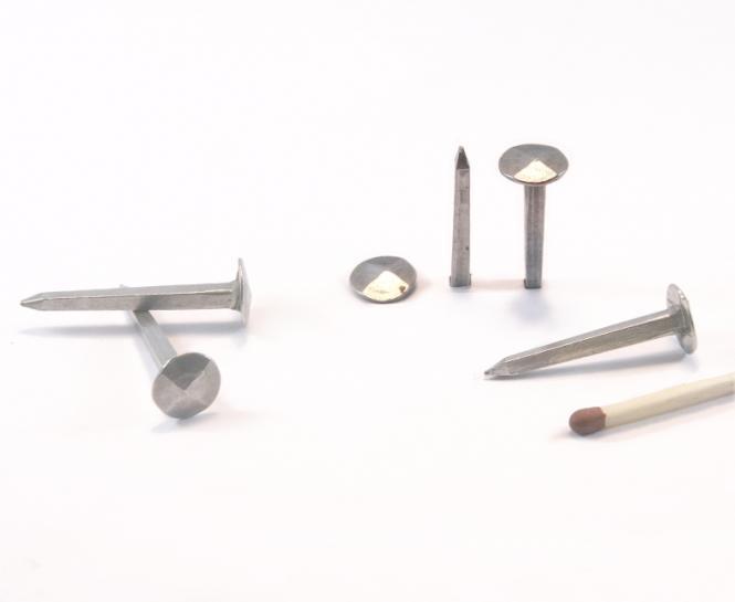 Diamond shaped head steel forged nail (100 nails) L : 35 mm - Ø 10 mm